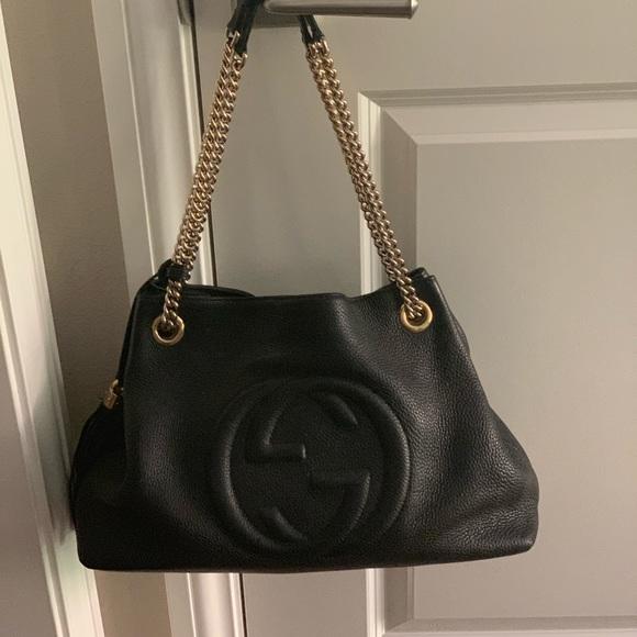 f16b362a65a Gucci Handbags - GUCCI Pebbled Calfskin Medium Soho Chain Bag Black